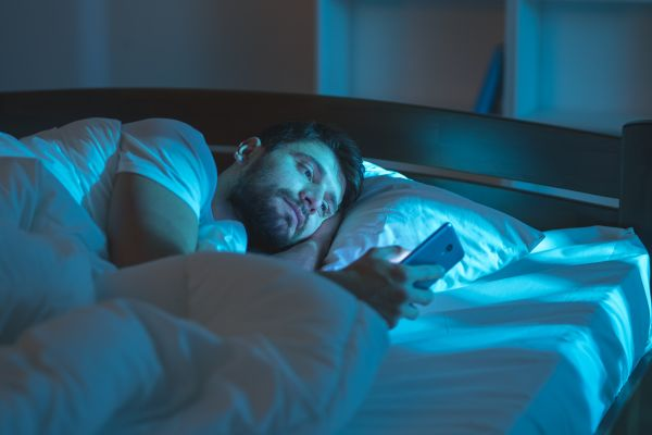 Από τι κινδυνεύουν όσοι ξυπνούν συχνά μέσα στην νύχτα   imommy.gr