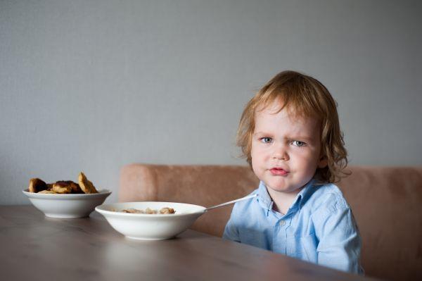 Παιδί επιλεκτικό στο φαγητό; Έτσι θα δοκιμάσει νέα τρόφιμα | imommy.gr