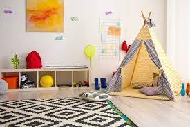 Έτσι θα τοποθετήσετε εύκολα και με ασφάλεια πίνακες και κάδρα στο παιδικό | imommy.gr