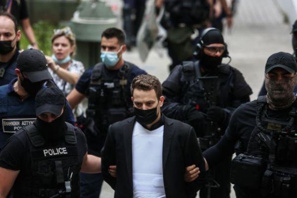 Γλυκά Νερά: Παραίτηση για ένα εκ των δικηγόρων του συζυγοκτόνου πιλότου   imommy.gr