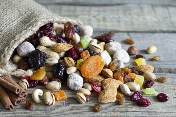 Πώς ωφελούν την υγεία μας τα αποξηραμένα φρούτα; | imommy.gr