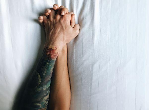 Πώς θα απολαύσετε την ερωτική σας ζωή παρά τη ζέστη   imommy.gr