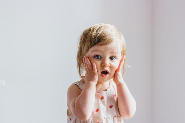 Παιδί: Έτσι θα σταματήσει να αγγίζει το πρόσωπό του | imommy.gr