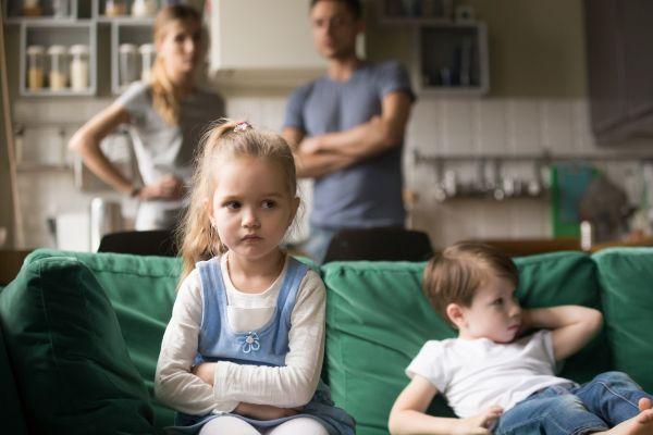 Πώς θα σταματήσουμε την αδελφική ζήλια; | imommy.gr