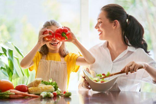 Πέντε τρόποι να πείσουμε το παιδί να φάει περισσότερα λαχανικά | imommy.gr