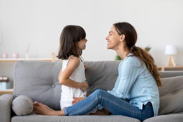 Πέντε στρατηγικές για να σας ακούει το παιδί | imommy.gr