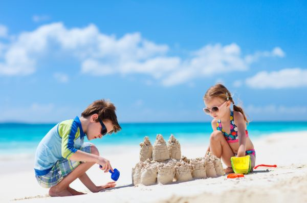 Παιχνίδια στην παραλία: Πώς θα κρατήσετε ασφαλές το παιδί   imommy.gr