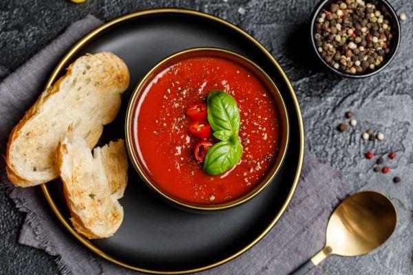 Κρύες σούπες: Θρεπτικές και ιδανικές για την εποχή   imommy.gr