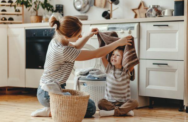 Συγύρισμα με τα παιδιά: Ετσι θα το κάνετε διασκεδαστικό | imommy.gr