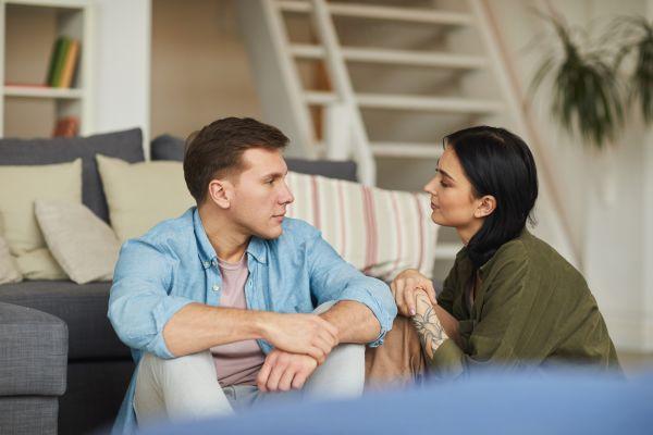 Γιατί ζητάμε να μάθουμε για το ερωτικό παρελθόν των συντρόφων μας;   imommy.gr