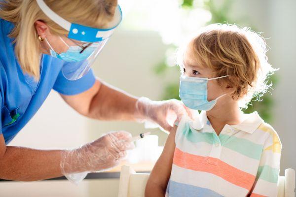 Covid-19: Σε ποια χώρα προετοιμάζεται να εμβολιάσει παιδιά άνω των 3 ετών | imommy.gr