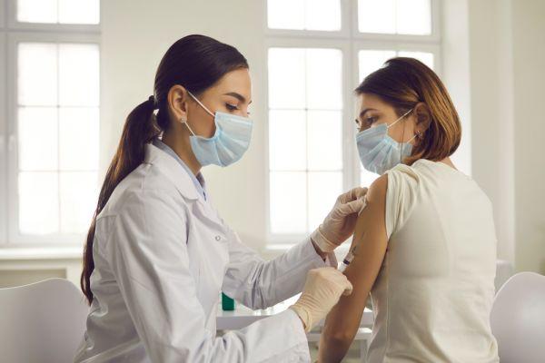 AstraZeneca: Φόβοι για ελλιπή εμβολιασμό χιλιάδων πολιτών – Τι λένε οι ειδικοί για τη 2η δόση   imommy.gr