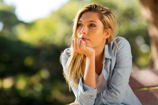 Πώς επηρεάζεται η ψυχική μας υγεία όταν κρατάμε κακία;   imommy.gr