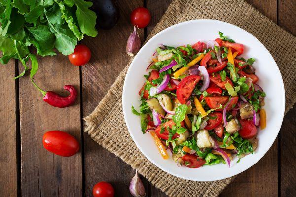 Πέντε συνταγές για γευστικότατες καλοκαιρινές σαλάτες   imommy.gr