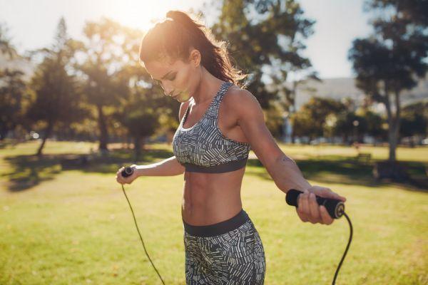 Με ποια άσκηση μπορείτε να «κάψετε» έως και 900 θερμίδες την ώρα; | imommy.gr
