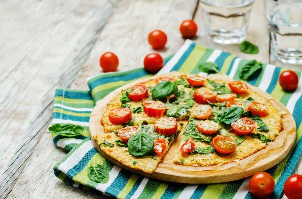 Λαχταριστή και εύκολη πίτσα από τον Απόστολο Ρουβά | imommy.gr