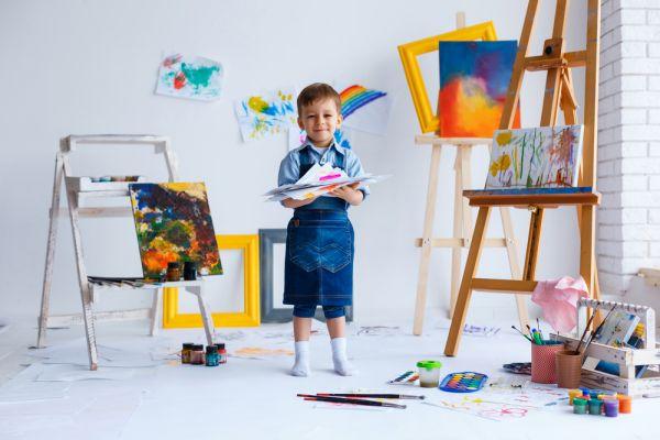 Γιατί αξίζει να ενθαρρύνετε το παιδί να ασχοληθεί με τη ζωγραφική | imommy.gr