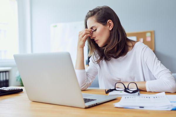 Αγχος, εξάντληση, burnout: Οι αόρατες επιπτώσεις του κοροναϊού   imommy.gr