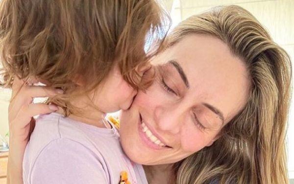 Ελεονώρα Μελέτη: Η τρυφερή φωτογραφία με την κόρη της | imommy.gr