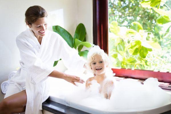Παιδικό μπάνιο: Έτσι θα το οργανώσετε σωστά | imommy.gr