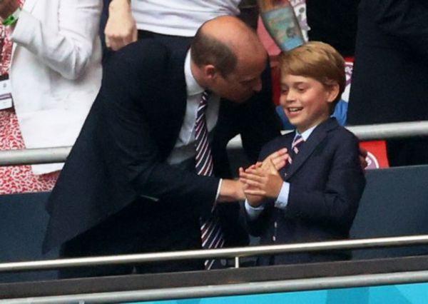 Πρίγκιπας Ουίλιαμ: Ετσι ενημέρωσε τον μικρό Τζορτζ ότι μια μέρα θα γίνει βασιλιάς | imommy.gr