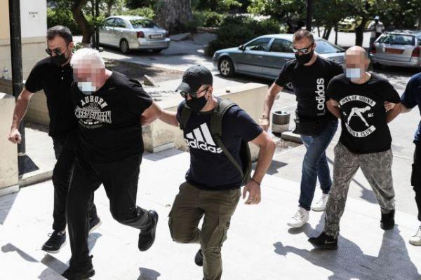 Σωρεία κακουργηματικών πράξεων σε βάρος του αστυνομικού και του πατέρα της 18χρονης | imommy.gr