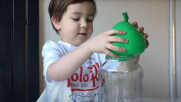 Πειράματα με μπαλόνια που θα ενθουσιάσουν τα παιδιά [βίντεο] | imommy.gr