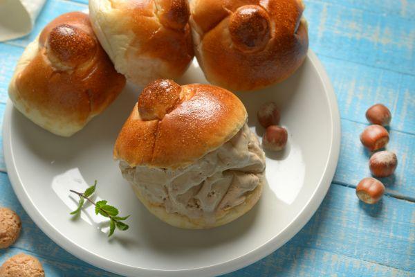 Ψωμάκι brioche με παγωτό   imommy.gr