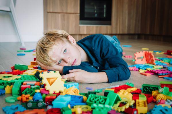 «Μαμά, βαριέμαι» : Ποια οφέλη μπορεί να προσφέρει η πλήξη στο παιδί; | imommy.gr