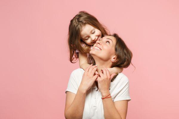 Οι απλές συνήθειες της χαρούμενης μαμάς   imommy.gr