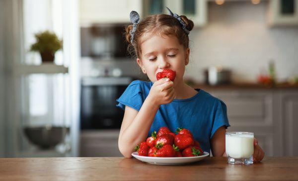 Διακοπές: Τι να προσέξετε στα γεύματα των παιδιών   imommy.gr