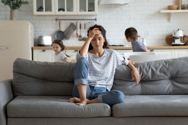 Ποιοι παράγοντες πυροδοτούν την κατάθλιψη; | imommy.gr