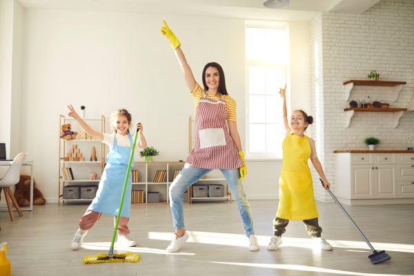 Συγυρίστε το σπίτι με το παιδί, διασκεδάζοντας | imommy.gr