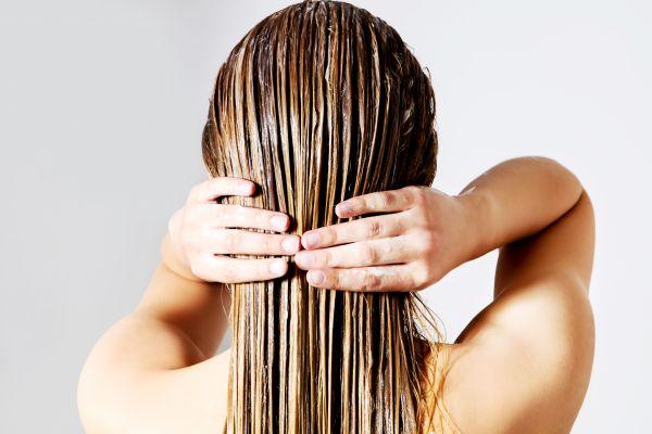 Η περιποίηση της μαμάς: Υγιή μαλλιά με καστορέλαιο | imommy.gr