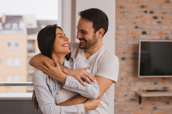 Γιατί ορισμένα ζευγάρια μιλάνε μεταξύ τους σαν μωρά; | imommy.gr