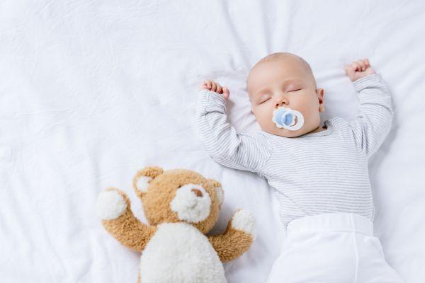 Ανάπτυξη βρέφους: Πότε μπορεί να κοιμάται στο δικό του δωμάτιο;   imommy.gr