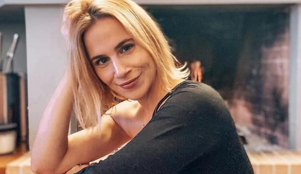 Νάντια Μπουλέ – Θηλάζει την κορούλα της και δημοσιεύει την τρυφερή στιγμή   imommy.gr