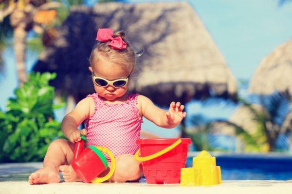 Πρώτα μπάνια του μωρού στη θάλασσα – Οσα πρέπει να προσέξετε | imommy.gr