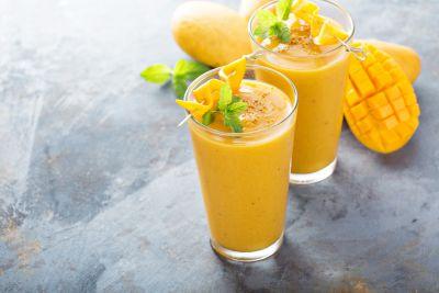 Δροσιστικό smoothie με μάνγκο | imommy.gr