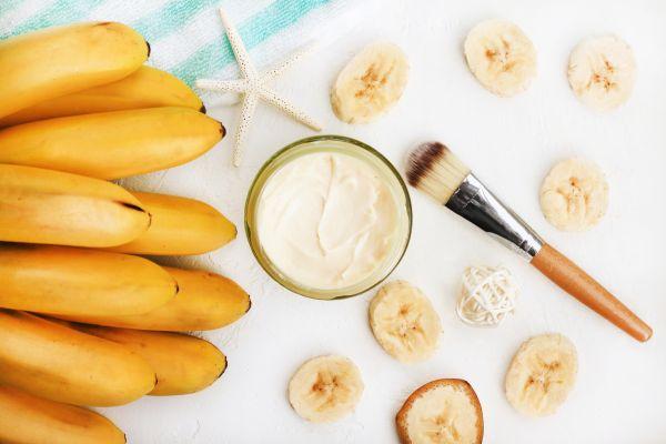 Τρεις μάσκες με μπανάνα για λαμπερά μαλλιά | imommy.gr