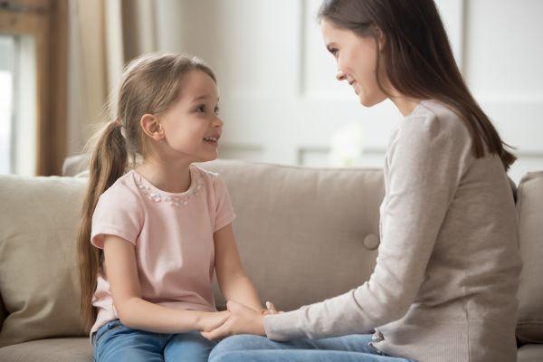 Παιδιά – Γιατί πρέπει να τους μιλάμε με θετικό τόνο; | imommy.gr