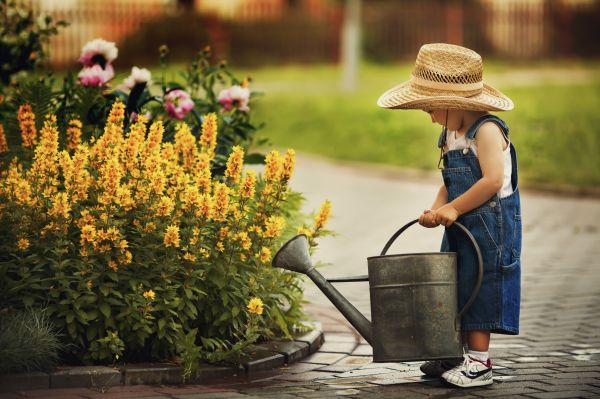 Μεγαλώνουμε εργατικά παιδιά   imommy.gr