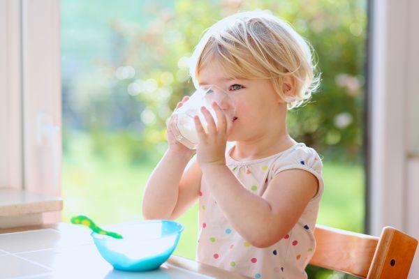 Γάλα – Πόσο πρέπει να πίνει το νήπιο; | imommy.gr