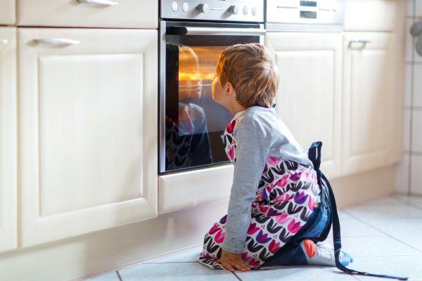Κουζίνα – Έτσι θα γίνει ασφαλής για τα παιδιά | imommy.gr