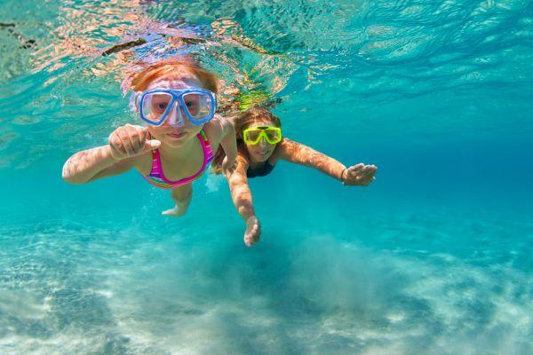 Πώς θα βεβαιωθείτε ότι το παιδί είναι ασφαλές στη θάλασσα   imommy.gr