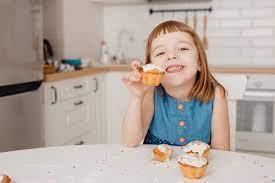 Γλυκά – Πόσα πρέπει να τρώνε τα παιδιά; Τι λένε οι ειδικοί | imommy.gr