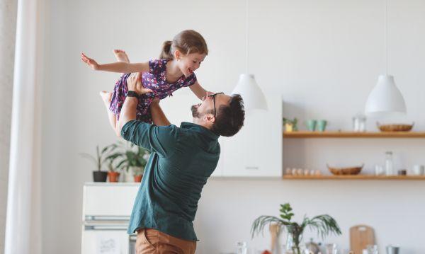 Οταν το παιδί δείχνει αδυναμία στον ένα γονιό   imommy.gr