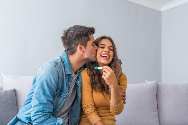 Εγκυμοσύνη – Πώς θα την ανακοινώσετε στον σύντροφό σας; | imommy.gr