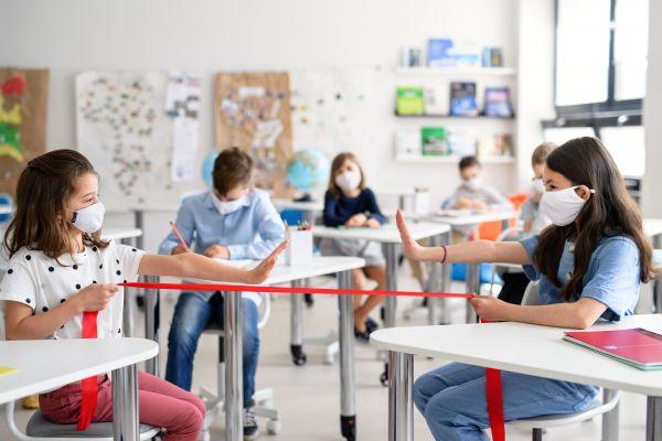 Σχολεία – Αναλυτικές οδηγίες σε 14 ερωτήσεις και απαντήσεις για το άνοιγμα | imommy.gr