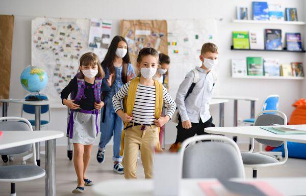Άνοιγμα σχολείων – Ανησυχία για κατακόρυφη αύξηση κρουσμάτων   imommy.gr